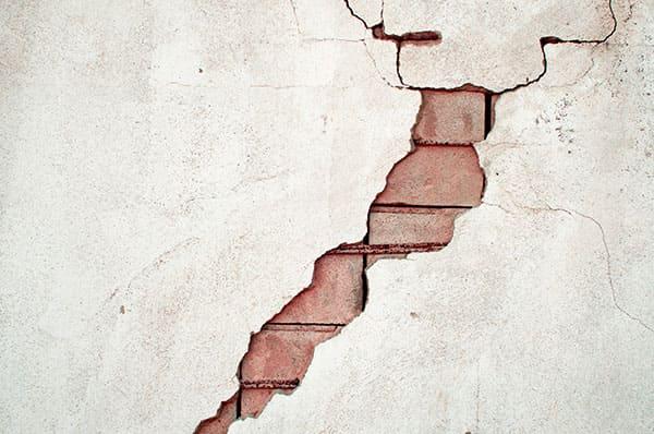 Как выявить слабые места частного дома до его покупки? Руководство для первого осмотра